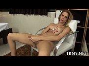 Скрытая камера красивая девушка мастурбирует