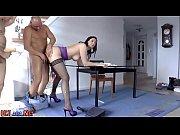 Порно со стройными итальянками