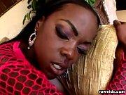 Фото молодой жены в чулках и стрингах