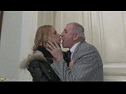 Начальница заставила подчиненного трахнуть ее русское порно