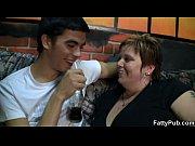 Мама с дочкой лесби и большой дилдо