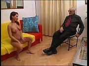Старая азиатка с нигером порно