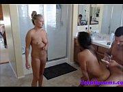голая жопы на кухне