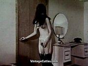 Порно женщина с осиной талией и большими бедрами