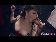 Порно видео трусы засунула в писю