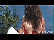 Блондиночка кайфует от массажа и отличного секса