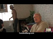 Обалденно красивая девушка мастурбирует