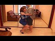 Видео сын трахает маму пока отец на работе
