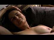 Молодая девушка девственница занимается сексом