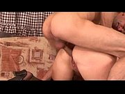 Девушка девственница учится мастурбировать