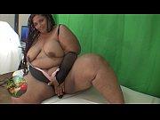 Секс видео трахнул толстую мамину подругу на даче