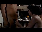 Порно секс с послушной секретаршей в чулках на столе в очках