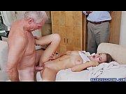 Секс госпожа наказывает секс-машиной плохую служанку