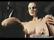 Смотреть порно девушка пробует первый анал сама с собой онлайн