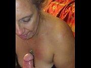 Тетя заставляет дядю лизать писю порно