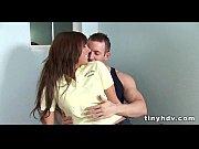 Русская жена унижает мужа на глазах у любовника