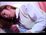 Латиночка сексуально танцует и обмазывается кремом