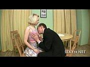 Любовник трахает женщину в присутствии ее мужа
