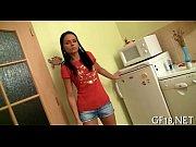 Лишение девственности видео моей подруги домашнее