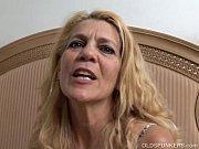 Запикапили двух блондинок порно