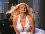 Красивые видео в жротичном платье