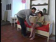 Молодая девушка соблазнила свою красивую подругу