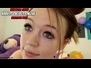 Девушка трахает другую девушку фаллоимитатором видео смотреть онлайн
