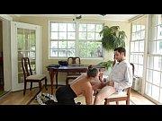 Видео показать как женщина самс сибе вытаскивает матку из влагалища