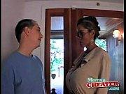 реальное видео мать застала мужа и дочь голыми