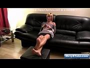 Секс видео старуха с бритой пиздой