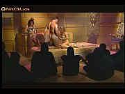 Две русские лезбиянки занял сь сексом в ваннрй видео