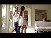 Голое порно видео на природе девственницы