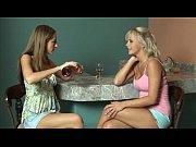 Порно видео как мама заставила родного сына трахнуть себя