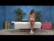Секс втроём в сауне порно онлайн
