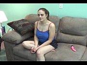 Лезбиянка силой зоставила лизать попу