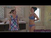 Показать порно фильмы очень высоких женщин с длинными ногами