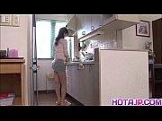 Кончил в тарелку женщине видео