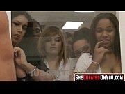 Видео мужчина ласкает и целует грудь девушки