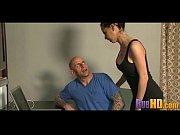 Порно-видео пампушек с огромными сиськами