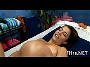 Ролики мужик ласкает женщин большую грудь