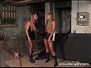 Видео снял девушку танцующую в короткой юбке на улице шорты апскирт
