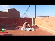 Видео блондинки показывают письки