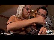 Анальное порно с двумя девушками