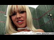 Порно гламурная красивая куколка в трусиках