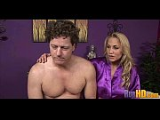 Соблазнила трех самцов на секс порно видео