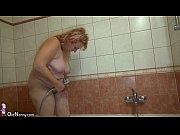 Порно видео старый извращенец трахает молодую в очко