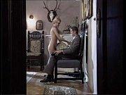 Девушки в эротических сатиновых трусиках и мини юбке на шпильках фото