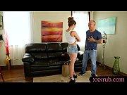 видео друг делает массаж жене