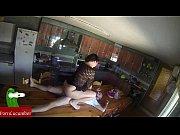 Женщина нюхает грязные трусы порно