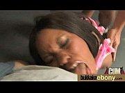 Амалия залезла к сыну в кровать